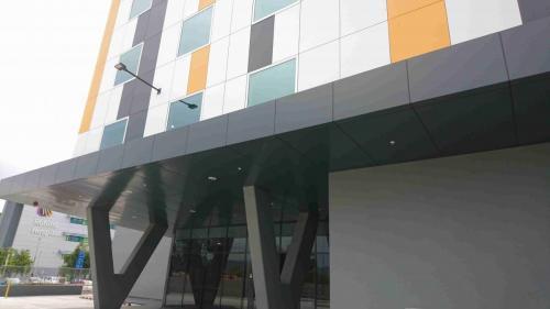 Robina Hospital Cladding exterior